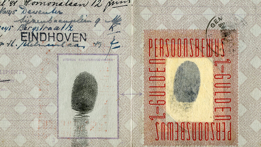 "Identity cards with ƒ 1,00 and ""kosteloos"" (free) stamp"
